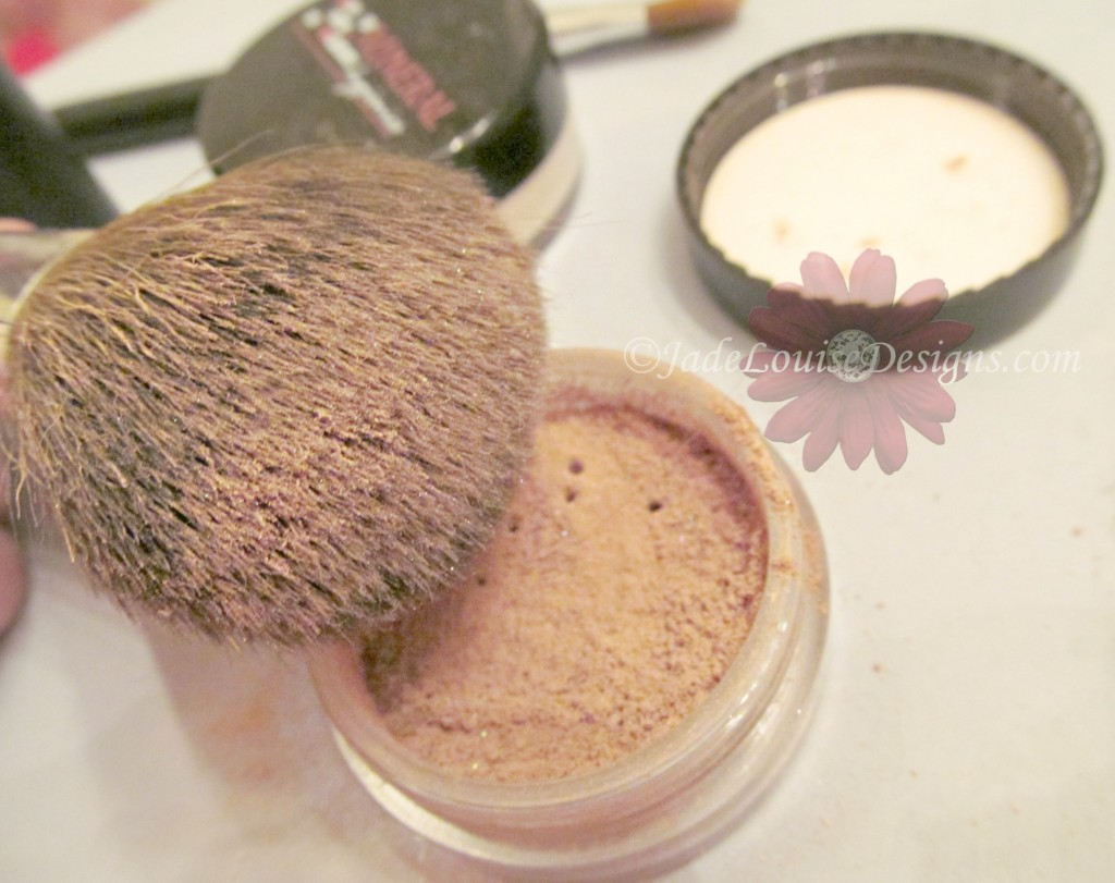Cool Kiss Mineral makeup enhancer