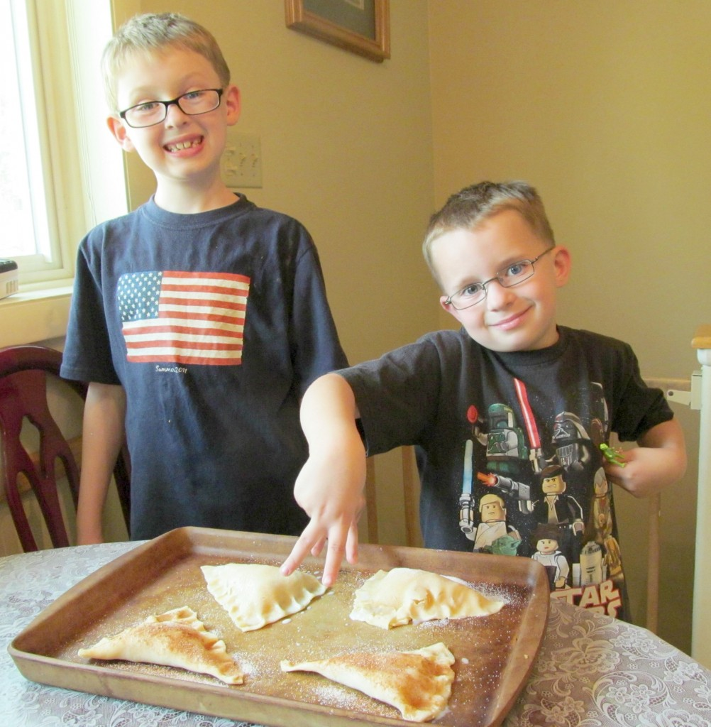 Del Monte Fruit Cups turnover recipe back to school #smartsnacks for kids.