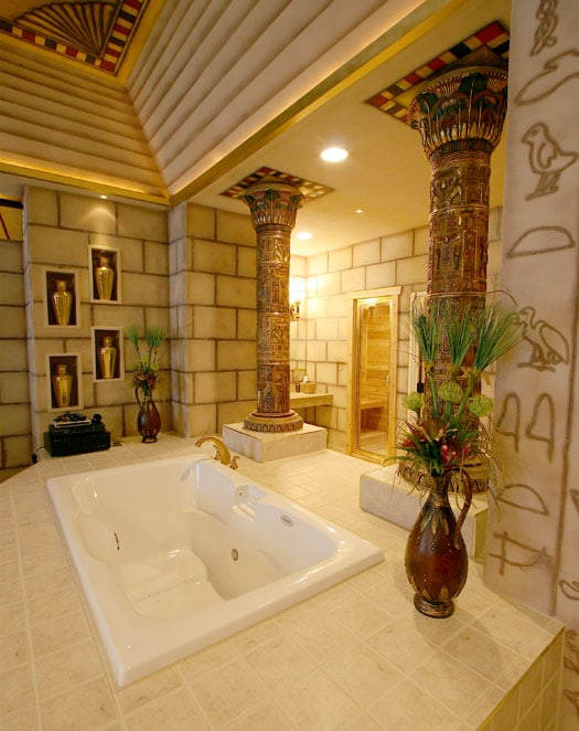 Destinations Inn Theme Suites Egyptian room