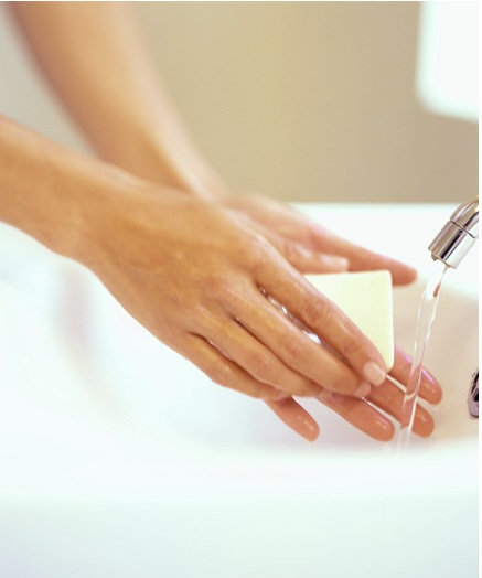 Hand Hygiene and using Kleenex moisturizing instant hand sanitizer