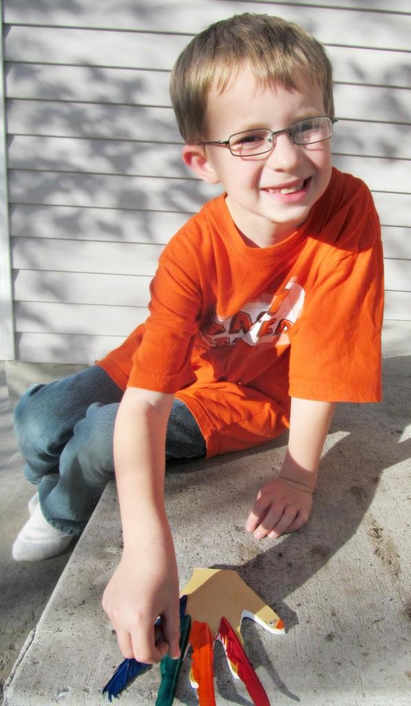 Thanksgiving Crafts: Hanging Turkey Hands #GluenGlitter Kids craft