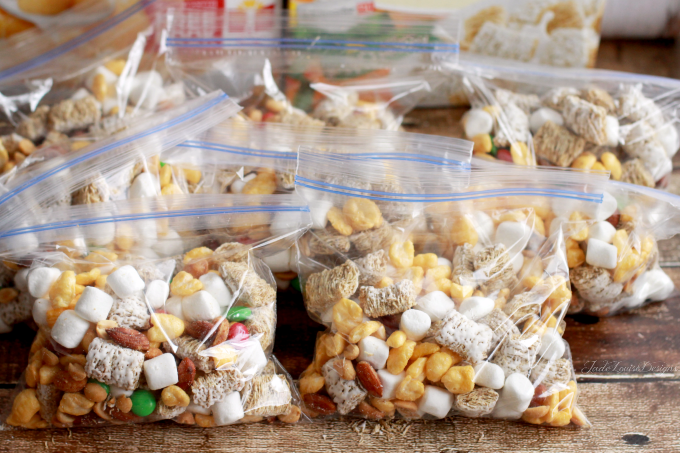 Easy Snack Ideas + Kids trail mix recipe to combat the Fast Food Urge ...