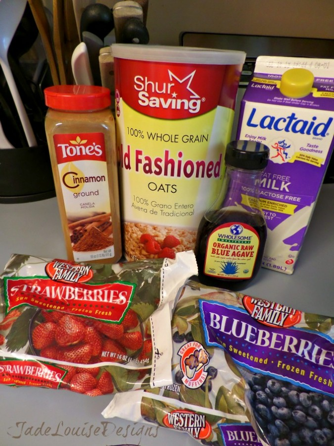 Sugar Free Cinnamon Fruit Oatmeal; A Healthy Breakfast your Kids Will Love.