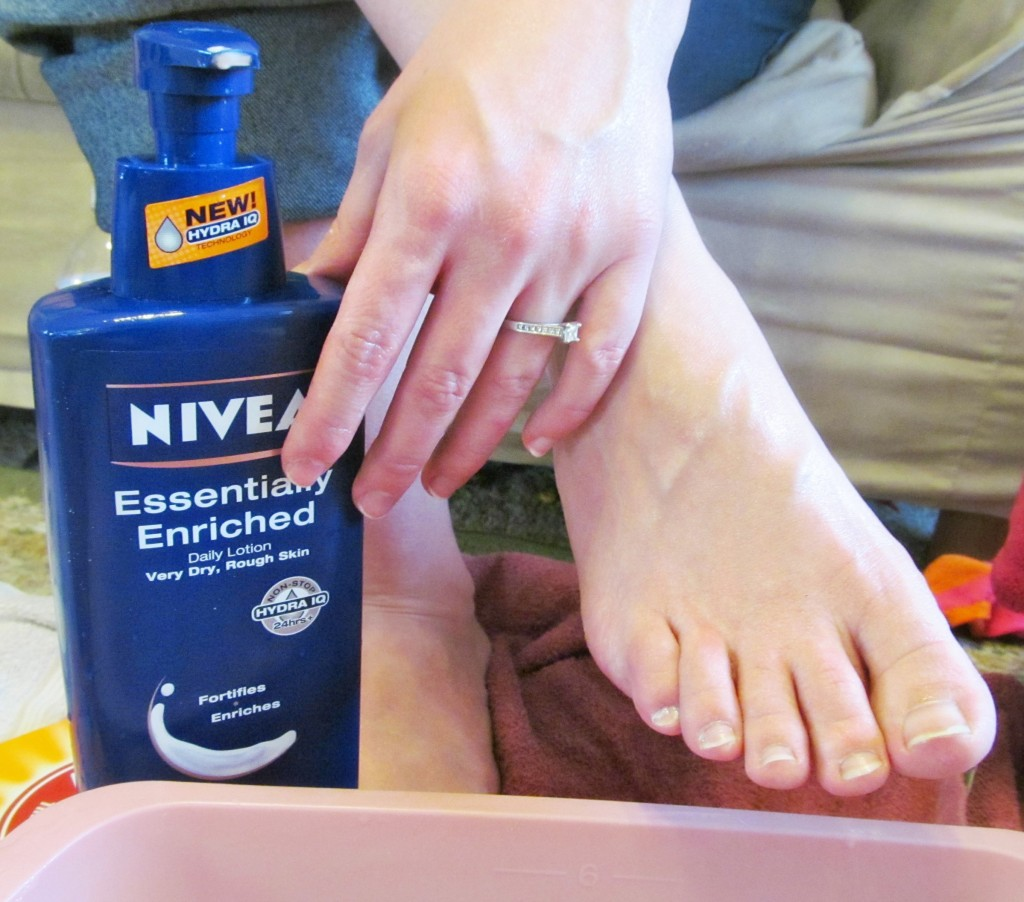 Diy Spa Party Tips For A Ladies Night Out Niveamoments Cbias