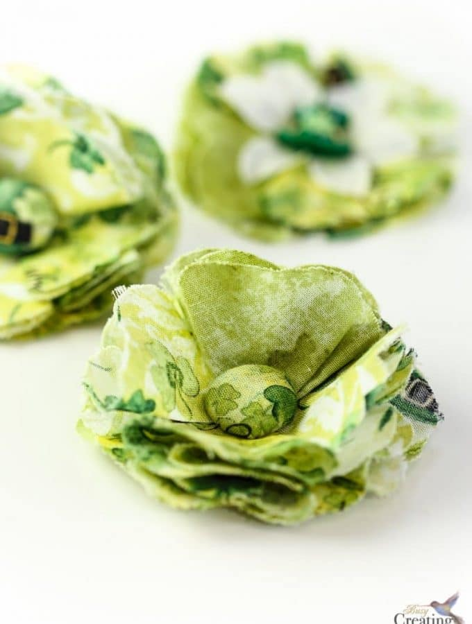 DIY Fabric Flowers hair accessory for St Patricks Day