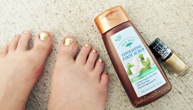 Diy pedicure at home how to get your feet summer ready and showcase diy pedicure at home how to get your feet summer ready and showcase your naturalbeauty solutioingenieria Gallery