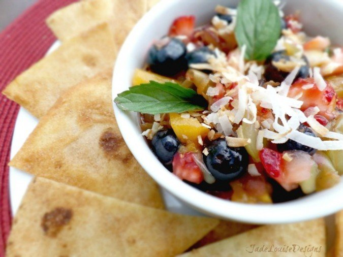 Fresh Fruit Salsa Recipe + Sweet Cinnamon Chips #ProFreshKeepers