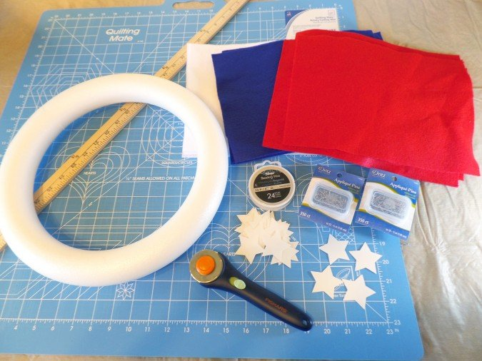 Patriotic Wreath Tutorial | 4th of July DIY Patriotic Wreath #crafts for Independence Day