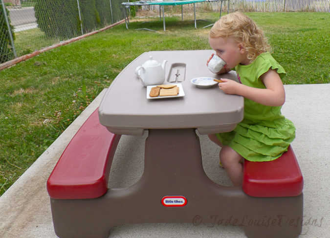 Why I Love Little TIkes Kids Picnic Tables. Finding The Best Kids Picnic  Table For