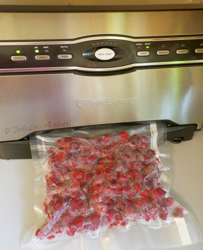 How to Freeze Raspberries| Food Storage Series