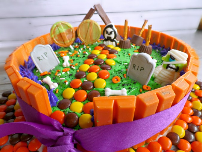 halloween kit kat cake ghostly graveyard
