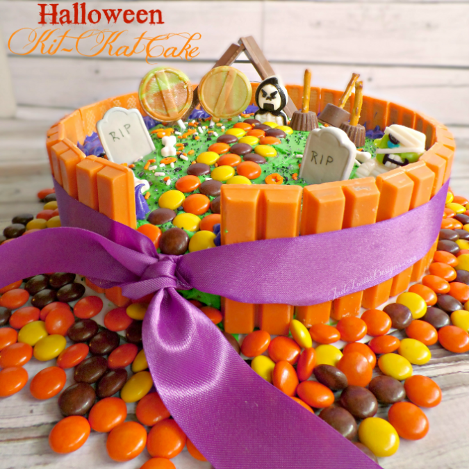 Decorating Cake With Kitkat : Halloween Kit Kat Cake Tutorial for your Halloween Party!