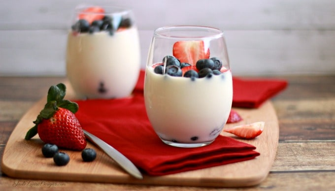 Weight Watchers Fruit Yogurt Parfait; a healthy treat. 4 Points Plus #SimpleStart