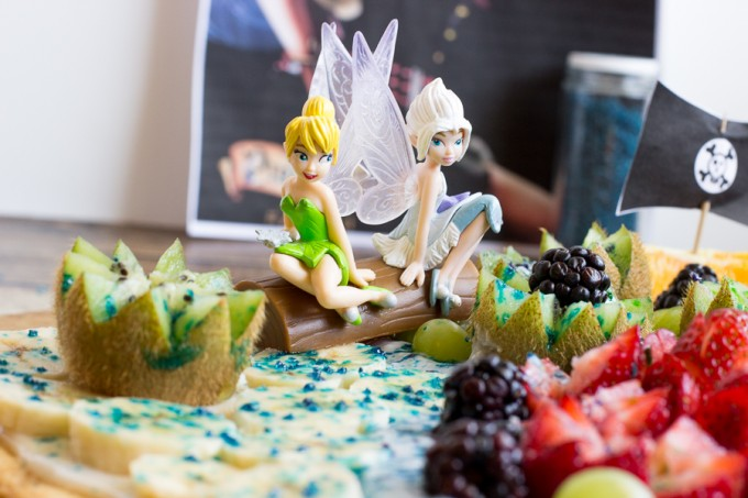 Pixie Hollow Fruit Pizza; Healthy The Pirate Fairy Inspired Recipe with Blue Pixie Dust #ProtectPixieHollow #Shop