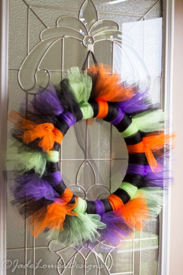 Stunning Easy to make Tutu Halloween Wreath Tutorial for your ...