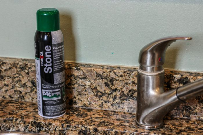 how to clean grease off granite countertops