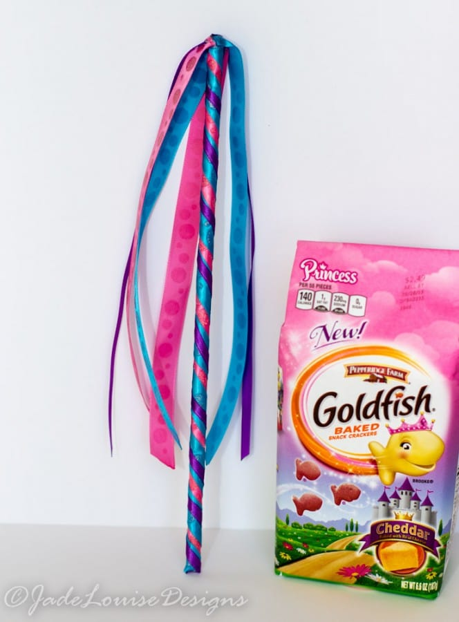 DIY Goldfish crackers Snack time Butterfly Princess Wand Craft #GoldfishTales