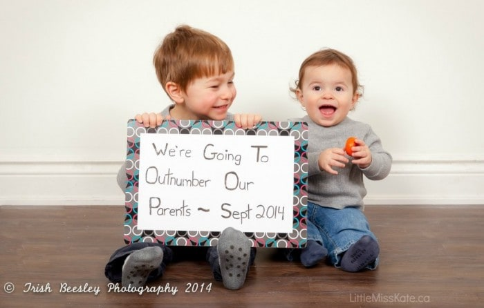 Pregnancy Announcement Ideas – Sibling Announcing New Baby
