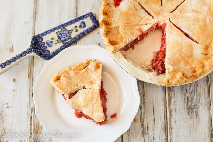 Best Ever Strawberry Rhubarb Pie Recipe