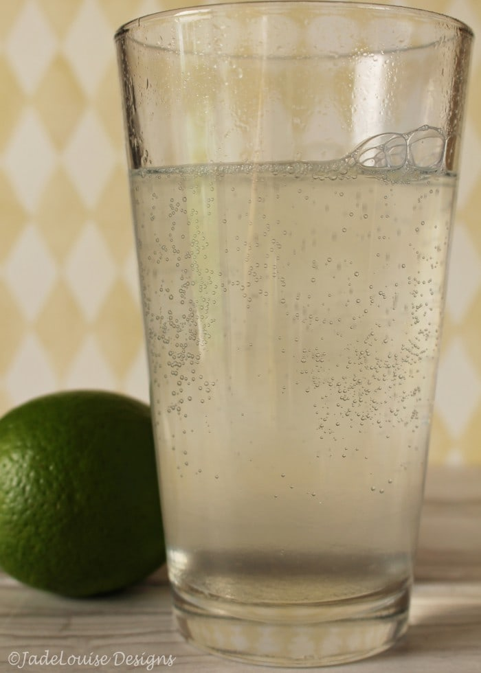 The club soda mixes the sugar base and lime juice