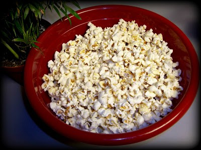 Popcorn Recipe: Old Fashioned Pan cooked Popcorn!