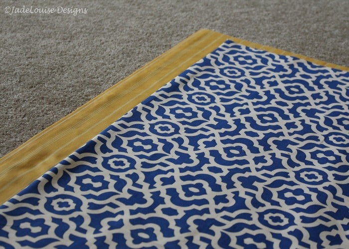 Centering the main fabric for the easy sew table runner