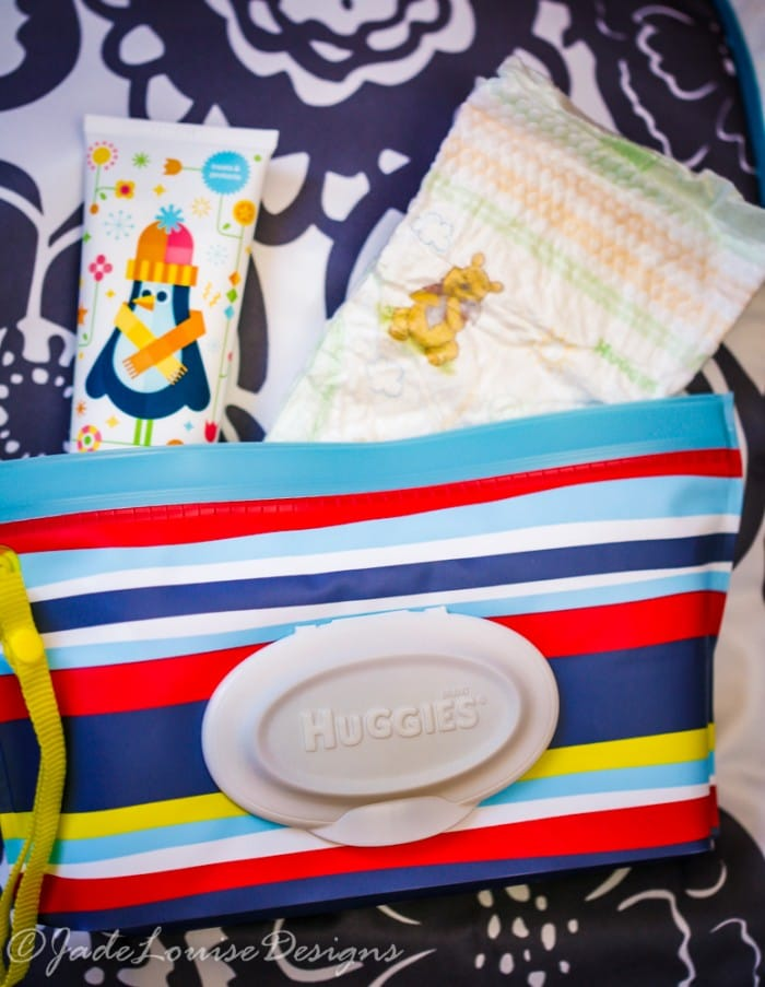Diaper Bag Essentials what you need to pack a diaper bag