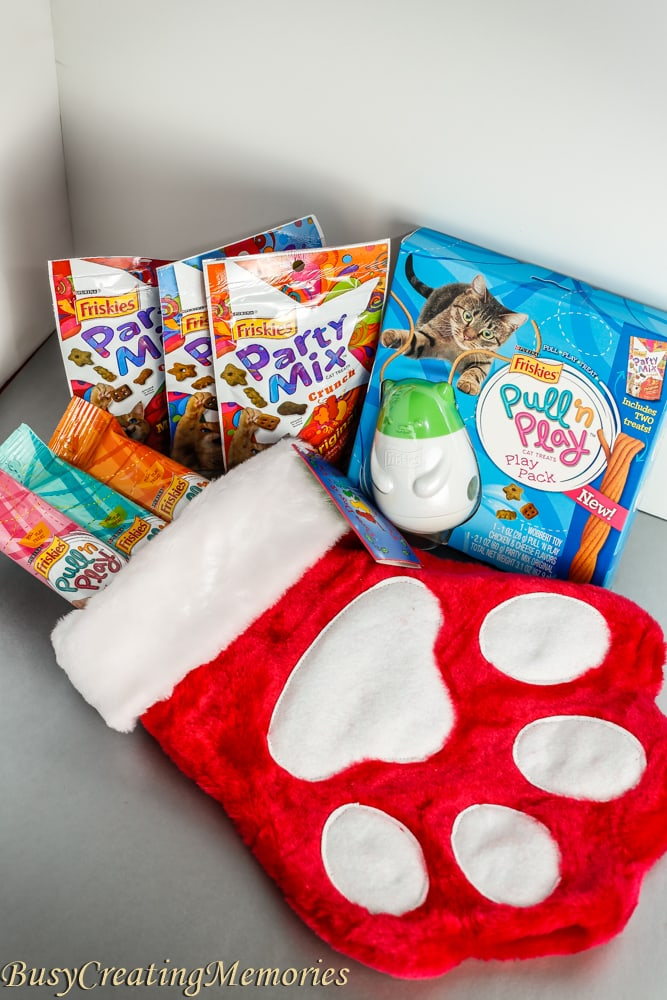 Cat Stocking Stuffers Friskies Pull 'n Play Combo Pack giveaway