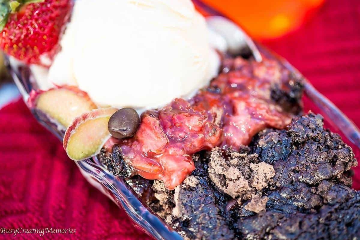 Dump Cake Strawberry Rhubarb