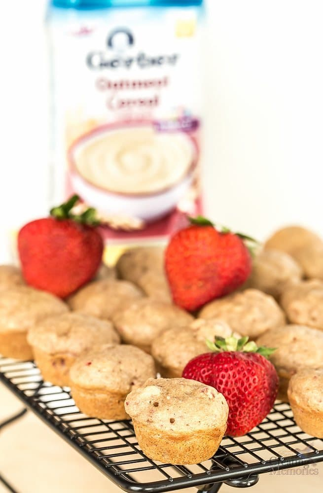 Delicious Mini Cinnamon Strawberry Muffins