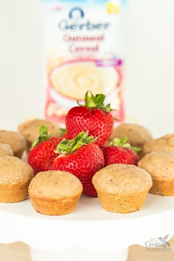 Extra Moist Mini Cinnamon Strawberry Muffins
