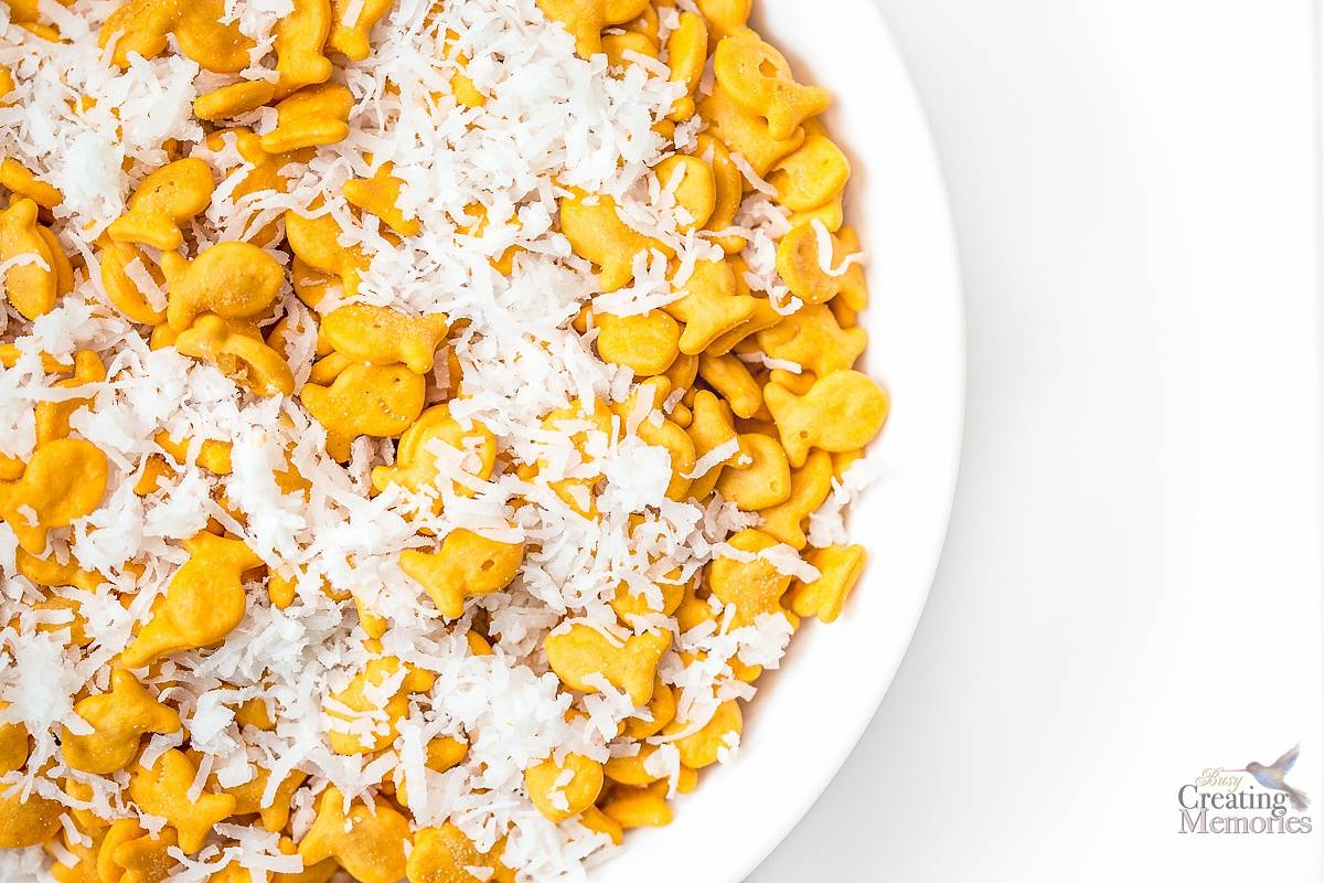 Goldfish crackers Puppy Chow Mix After school Snack