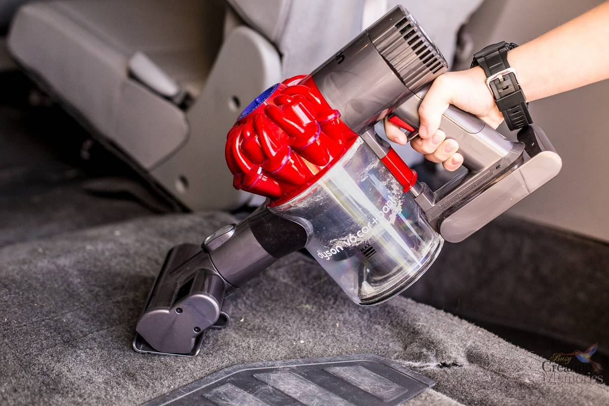 car interior cleaning made easy with dyson v6 cordless vacuum. Black Bedroom Furniture Sets. Home Design Ideas