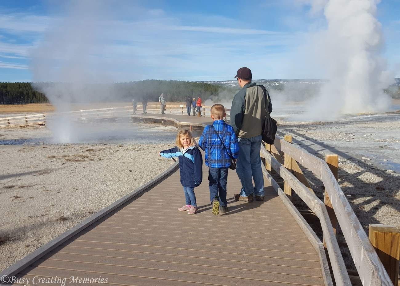watching-geysers-at-yellowstone