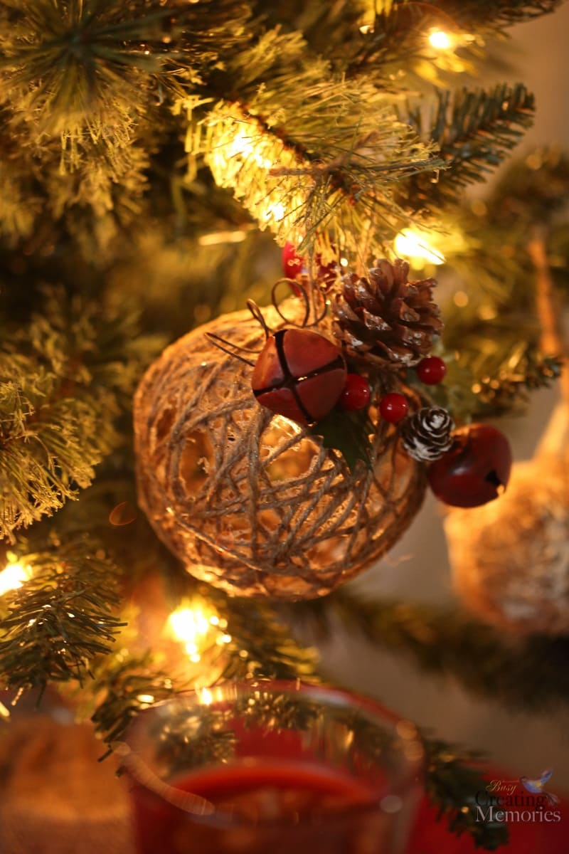 How to Set The Holiday Atmosphere + Rustic Christmas Ornaments Tutorial