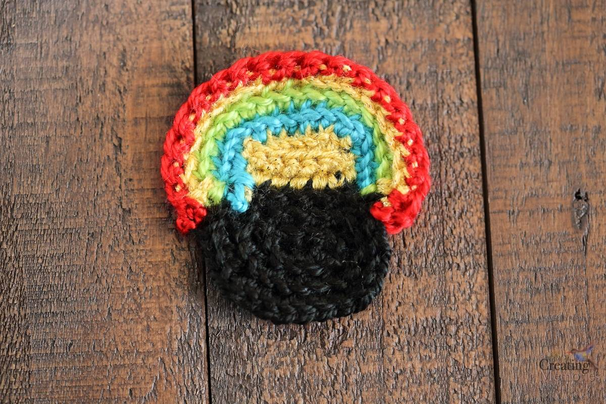 Pot of Gold Crochet Cup cozy pattern for a Starbucks Grande Cup
