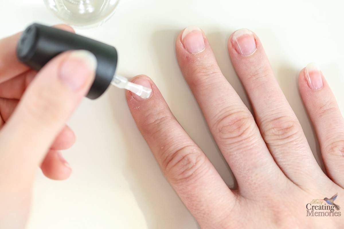 Easy Practical Mom DIY Manicure