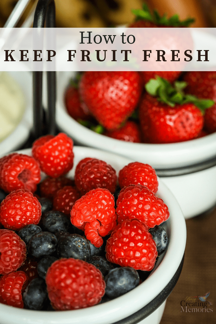 Stop throwing out spoiled produce! Discover how to keep fresh fruit and produce fresher longer with Rubbermaid FreshWorks.