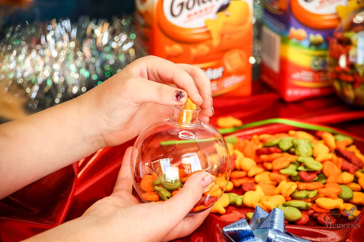 Make a Simple Goldfish Filled Kids Christmas Ornament in 10 minutes!