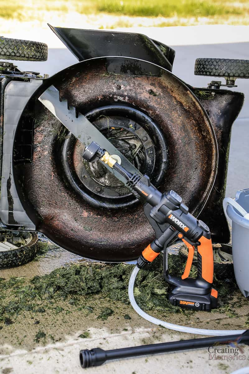 How to Use a Pressure Washer & 5 Reasons for a WORX Hydroshot